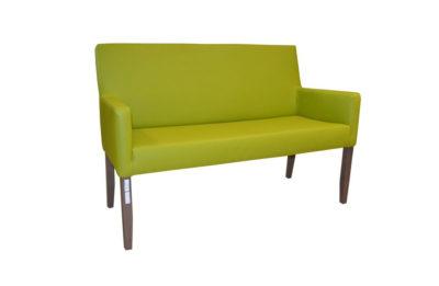 Masívna lavica Bruce v zelenom koženom čalúnení.