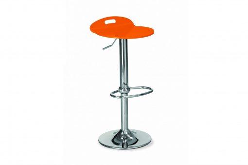 Stolička EDISON s kovovým telom a oranžovým dreveným sedákom.