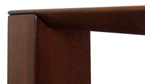 Detail na roh jedálenského stola JENS.