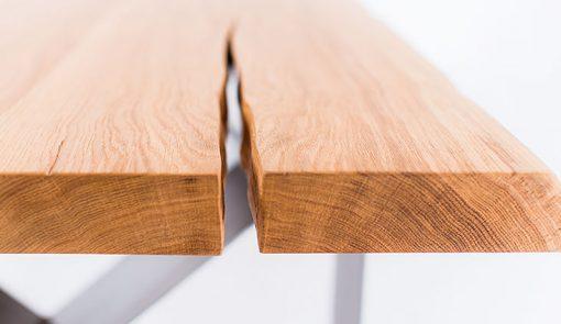 Detail na stolový plát stola NATURIST.