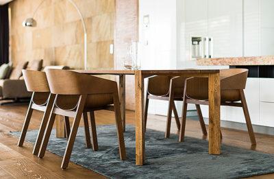 Celomasívny jedálenský stôl Kubis 2017